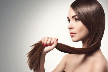 Die richtige Handhabung mit Glätteisen (Haarglätter)